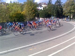 viele schnelle Radfahrer